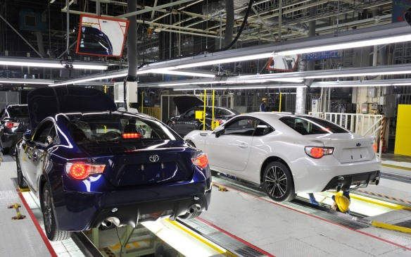 2013-Subaru-BRZ-Toyota-86-production-line
